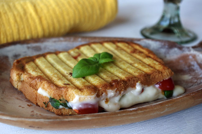 Caprese Grilled Cheese with Mozzarella, Brie and Honey Mayo | Dixie ...