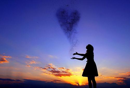 cool-cute-figure-girl-heart-Favim.com-220760