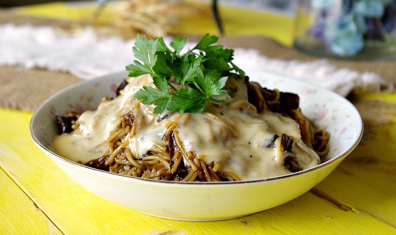 Cheesy Mushroom Spaghetti