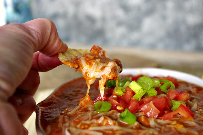 Hot Buffalo Wing Cheddar Chili Dip