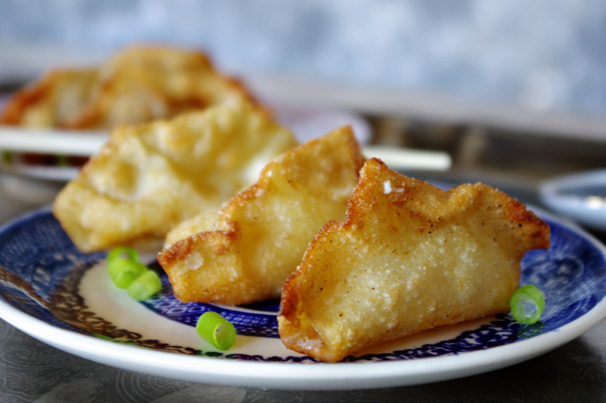 Habanero Cheddar Wontons with Asian Dipping Sauce