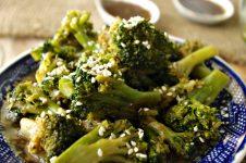 Sesame Ginger Broccoli | Dixie Chik Cooks