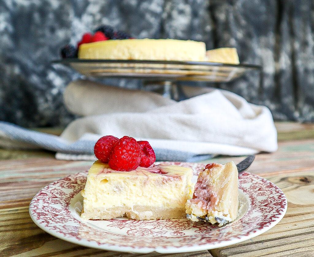 Raspberry White Chocolate Cheesecake   Dixie Chik Cooks